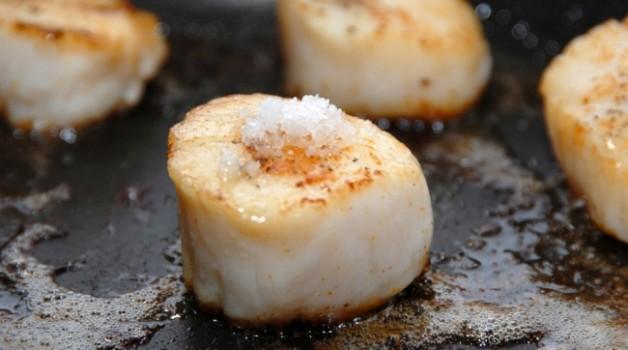 Noix de Saint-Jacques à la fleur de sel au safran
